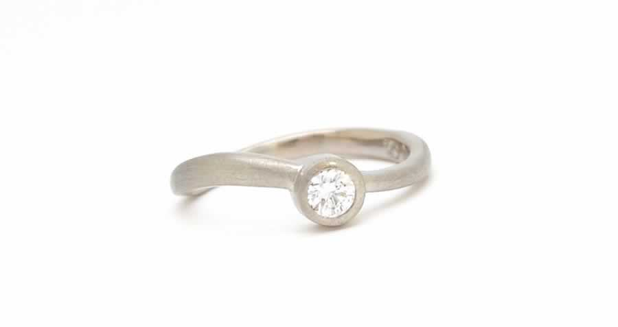 the-waltz_wedding-ring_diamond_palladium_poppyor_custom
